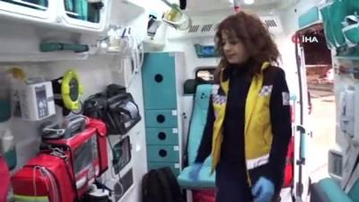 ambulans soforu -  O hem direksiyon başında, hem de hastaların başucunda