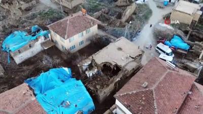 Doğanyol'da depremin verdiği hasar gün ağarınca ortaya çıktı... Doğanyol'da yıkılan evler havadan görüntülendi İzle