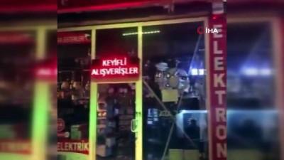 Malatya'da deprem anında avizeler cep telefonuna böyle yansıdı İzle