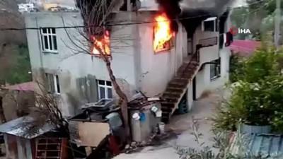 bild -  Sobadan çıkan kıvılcım evi böyle yaktı