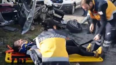 Kafa kafaya çarpıştılar: 5 yaralı