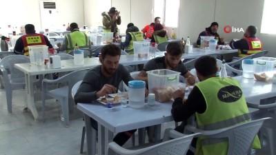 yatirimci -  Çinli ve Türk işçiler 'Korona virüsü'ne aldırmadan çalışıyorlar