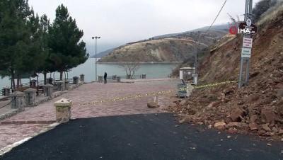 Deprem feribot iskelesini yıktı