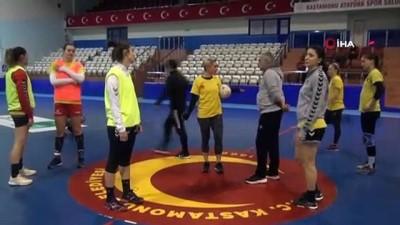 ceyrek final - Kastamonu Belediyespor, DVSC Schaeffler maçı hazırlıklarına başladı