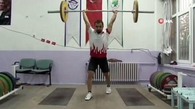 """Milli halterci Yiğit: """"2024 Paris Olimpiyatları'nda şampiyon olmak istiyorum"""""""