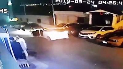 silahli kavga -  Gece kulübü önünde silahlı kavga kamerada