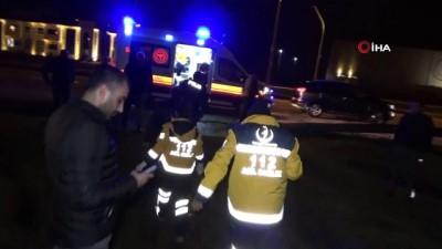 polis merkezi -  Yağış nedeniyle kayganlaşan yolda otomobil metrelerce takla attı