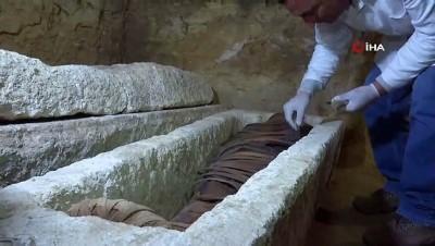 - Mısır'da 3 bin yıllık mezarlar bulundu