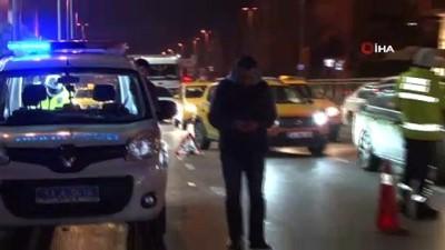 motosiklet surucusu -  Motosiklet taksiye çarptı: 1 yaralı