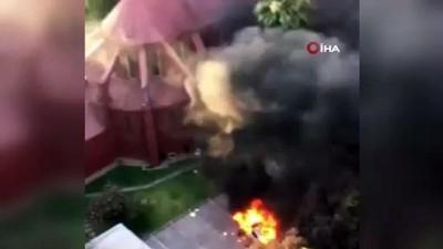 - Şili'de göstericiler polise tahsis edilen kiliseyi yaktı