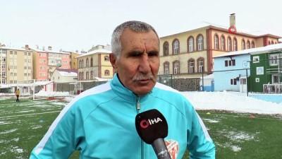 amator -  71 yaşındaki futbolcu Erzurum'a transfer oldu