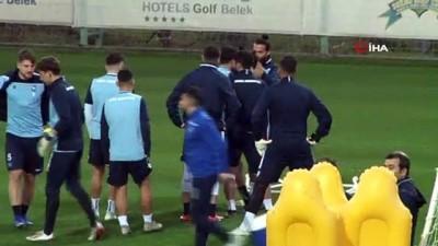 isvec -  Erkan Zengin: 'Milan İbrahimovic'e hafif gelir'