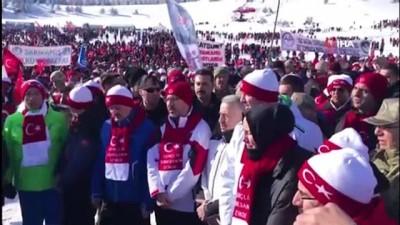 'Sarıkamış Şehitlerini Anma' yürüyüşü devam ediyor