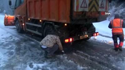 Kar fırtınası Kazdağları'nda etkili oluyor