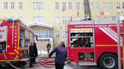 Okulda yangın paniği kamerada