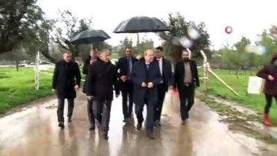 - KKTC Başbakanı Tatar, yağışlardan etkilenen bölgelerde inceleme yaptı