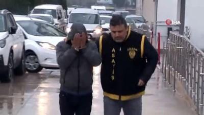 Polis oyun konsolu dolandırıcısını suçüstü yakaladı