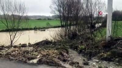 Şiddetli yağışlar sonrası su baskını nedeniyle bir mahalle sular altında kaldı
