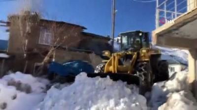 Şırnak'ta karla mücadele sürüyor