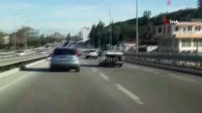 amator -  Seyir halindeki otomobilin bagajında tehlikeli yolculuk kamerada