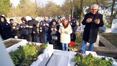 Tren kazasında ölen Oğuz Arda'nın yakınları doğum gününde kabrini ziyaret etti