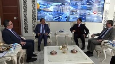 """Kamu Denetçiliği Kurumu Başkanı Şeref Malkoç:""""85 milyon Malatya ve Elazığ'ın acısını paylaştı"""""""