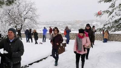 Kar yağışı sonrası evleriyle ünlü Safrabolu'da kartpostallık görüntüler oluştu