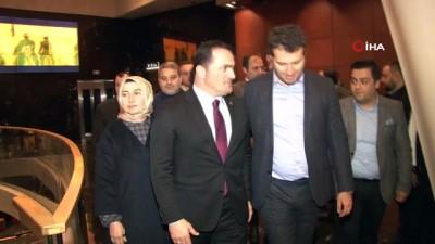 """hatira fotografi -  Beyoğlu'na özel """"Türkler Geliyor:Adaletin Kılıcı"""" filmi gösterimine yoğun ilgi"""