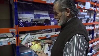 83 yaşındaki üniversite öğrencisinin okuma azmi hayran bıraktı