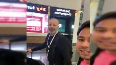 lyon -  Endonezyalı oyuncudan Türk polisine teşekkür