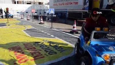Mobil Trafik Eğitim Tırı çocuklar için Tekirdağ'a geldi