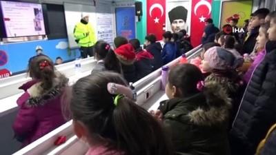 Mobil trafik eğitim tırı Gaziantep'te