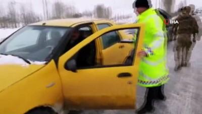 Jandarma ekipleri emniyet kemeri denetimi yaptı