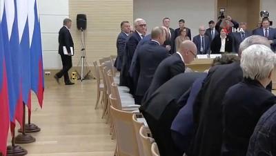 - Putin, yeni anayasa çalışma grubuyla toplantı yaptı