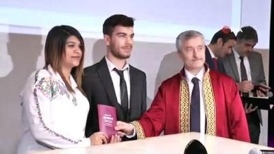 belediye baskani -  Belediye Başkanı Tahmazoğlu 14 Şubat sevgililer gününde belediyeye evlenmek için müracaat eden 93 çiftin nikahını kıydı