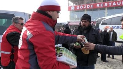 Çığ düşmesi sonucu kapanan Kayseri-Kahranmanmaraş yolu ulaşıma açıldı (1) - KAYSERİ
