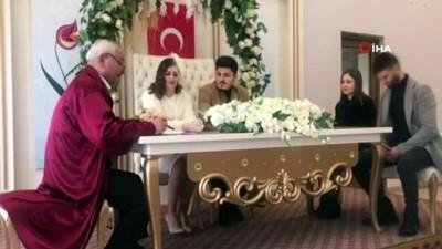 Hem Sevgililer Günü, hem de doğum gününde nikah masasına oturdu