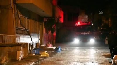 Sinir krizi geçiren genci polis sakinleştirdi - MANİSA
