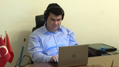 Görme engelli Türk mühendis Facebook'un 'göz bebeği' (2) - ANKARA