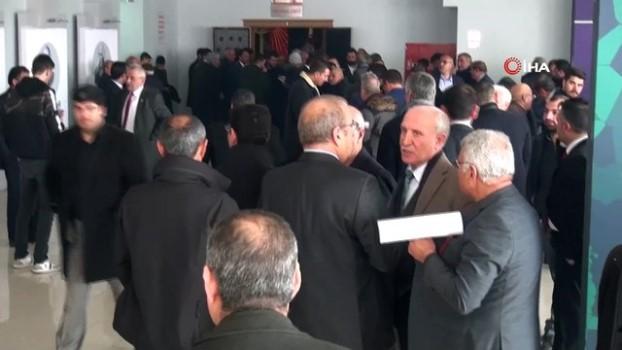 cevik kuvvet -  Şanlıurfa'da CHP kongresi olaylı başladı