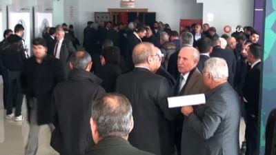 Şanlıurfa'da CHP kongresi olaylı başladı