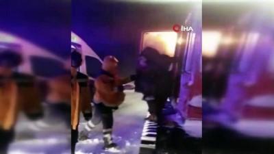 Kar nedeniyle köylerde mahsur kalan 194 hasta kar araçlarla kurtarıldı