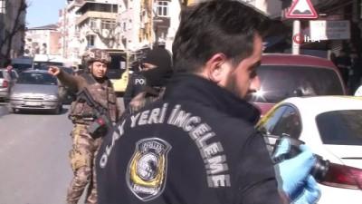 silahli kavga -  Bahçelievler'deki silahlı kavgada vurulan baba ve oğlu hayatını kaybetti