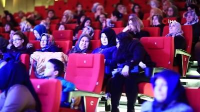 Büyükşehir 500 kadını sinemada bir araya getirdi