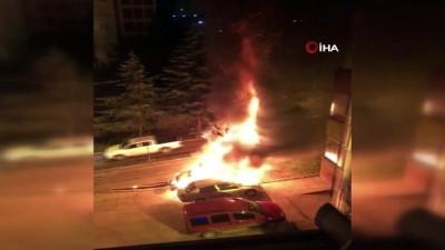 ticari arac -  Trabzon'da 2 araç alev alev yandı