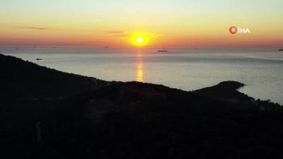 Adalar'da gün batımı hayran bıraktı