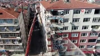 Bahçelievler'de ağır hasarlı binaların yıkımı havadan görüntülendi
