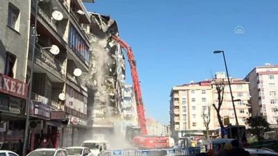 polis - Bahçelievler'de riskli binalar yıkılıyor - İSTANBUL