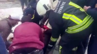 Kanalizasyon çukuruna düşen işçi yaralandı - MUĞLA