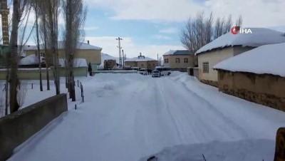 mahsur kaldi -  Karda mahsur kalan 10 araç 6 saatte kurtarıldı
